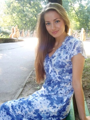Dating foreign woman Lidia from Lviv 20 yo hair color Brown